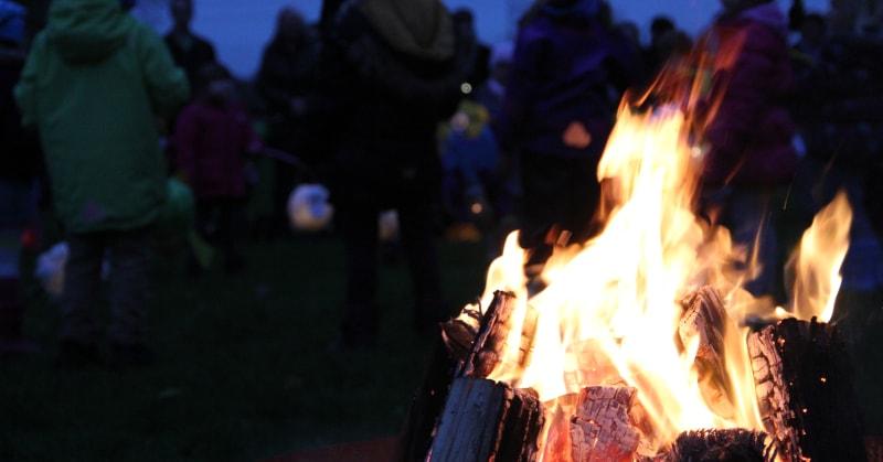 Feuerkorb auf dem Martinsfest der Kindertagestätte Erlebnishaus